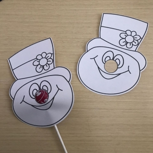 Frosty The Snowman Lollipop Print & Cut Coloring Activity